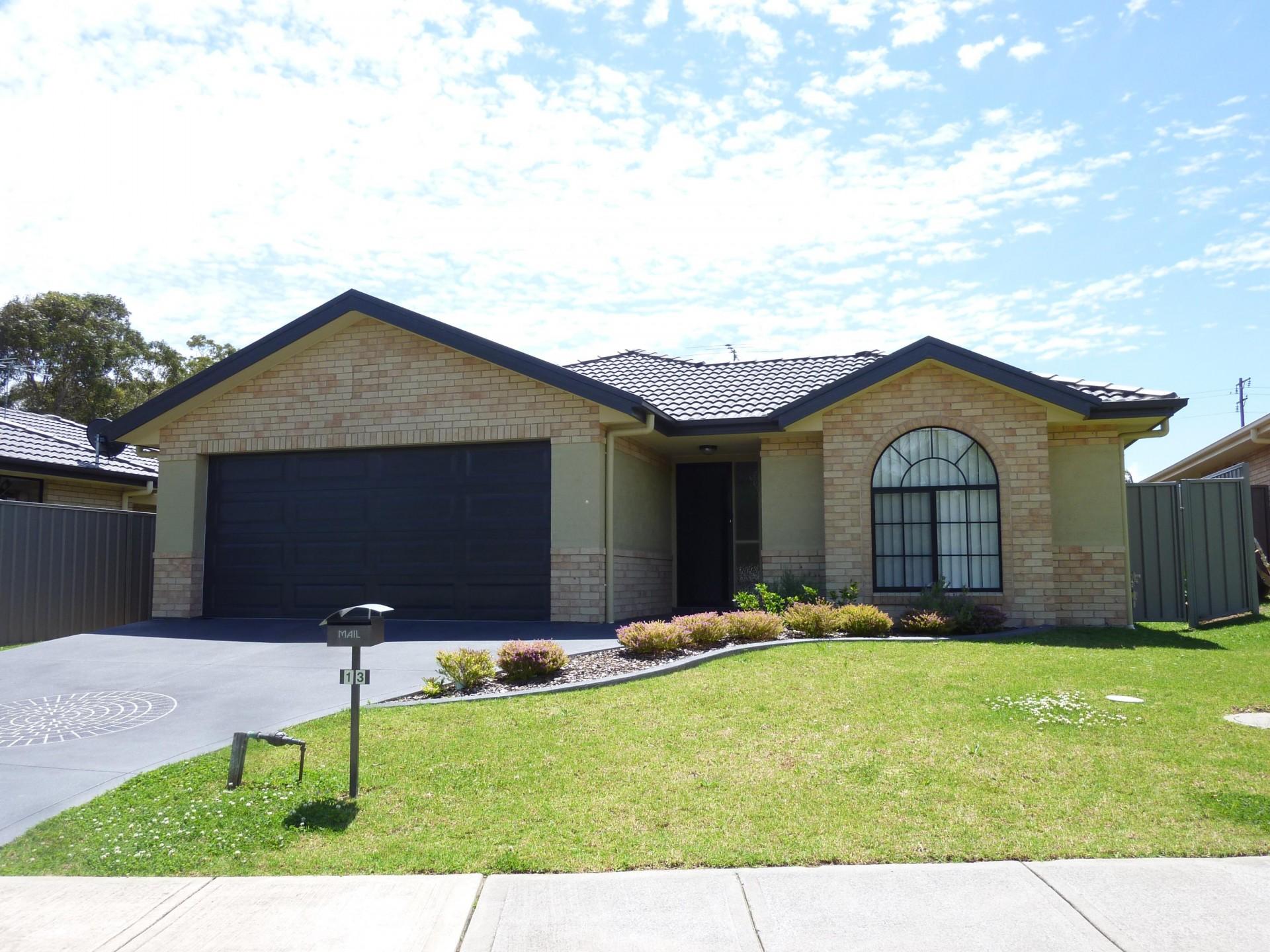 13 Lotus Terrace, Hamlyn Terrace  nsw  2259-1