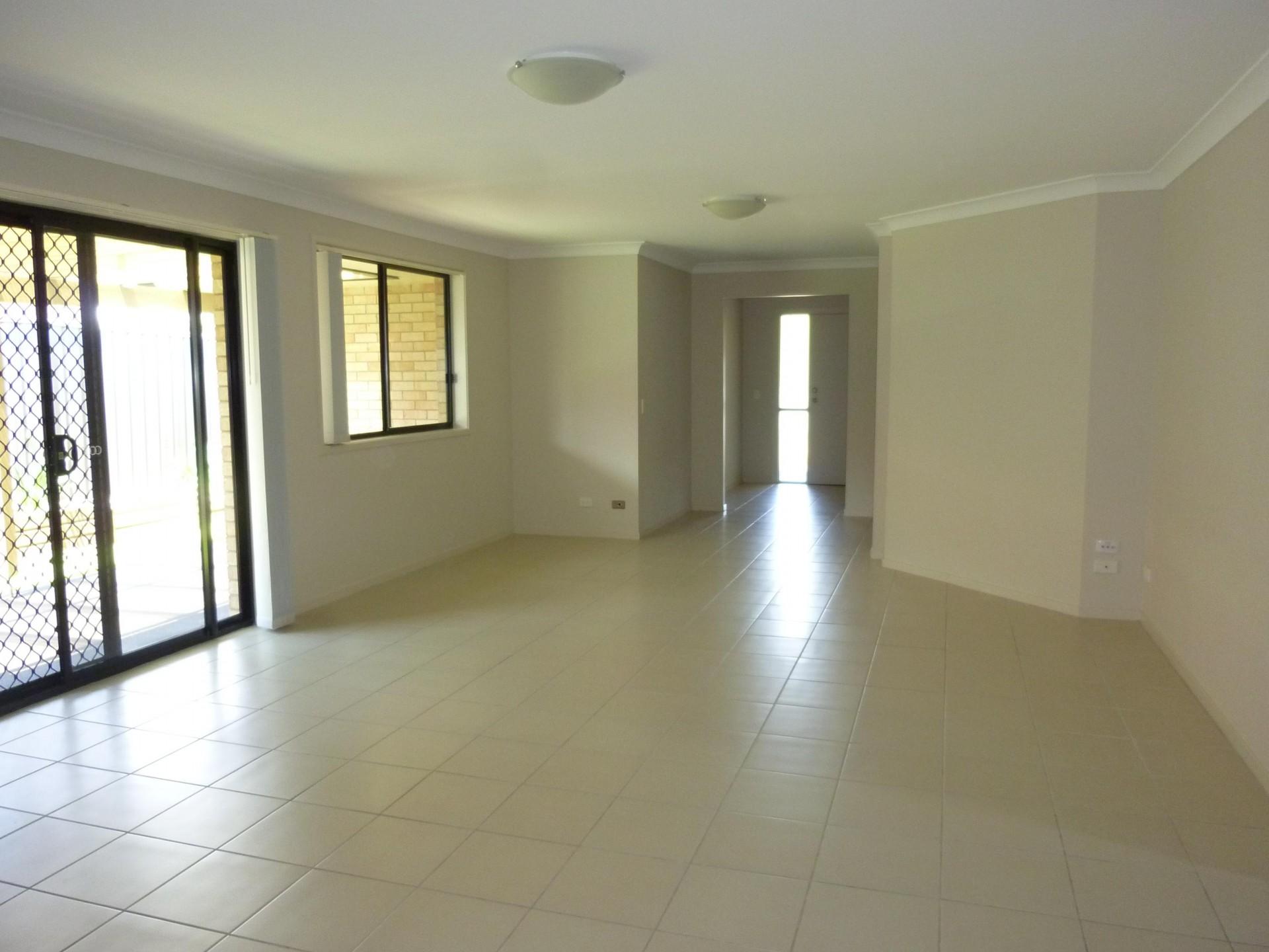 13 Lotus Terrace, Hamlyn Terrace  nsw  2259-2