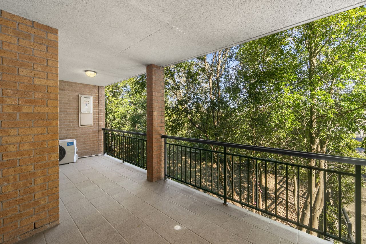 30/19-21 Central Coast Highway, West Gosford  NSW  2250-2